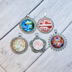Glass pendants 6 eur Part 6